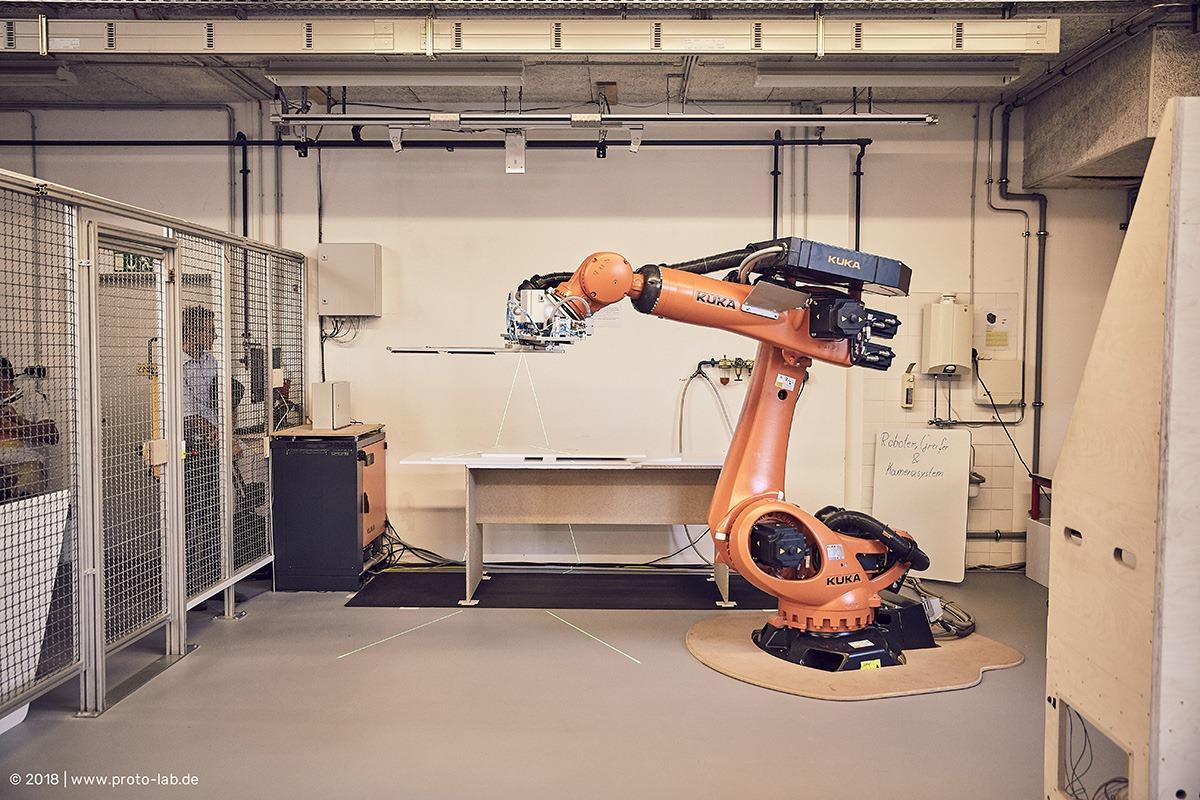 Zwischen Handwerk & Industrie