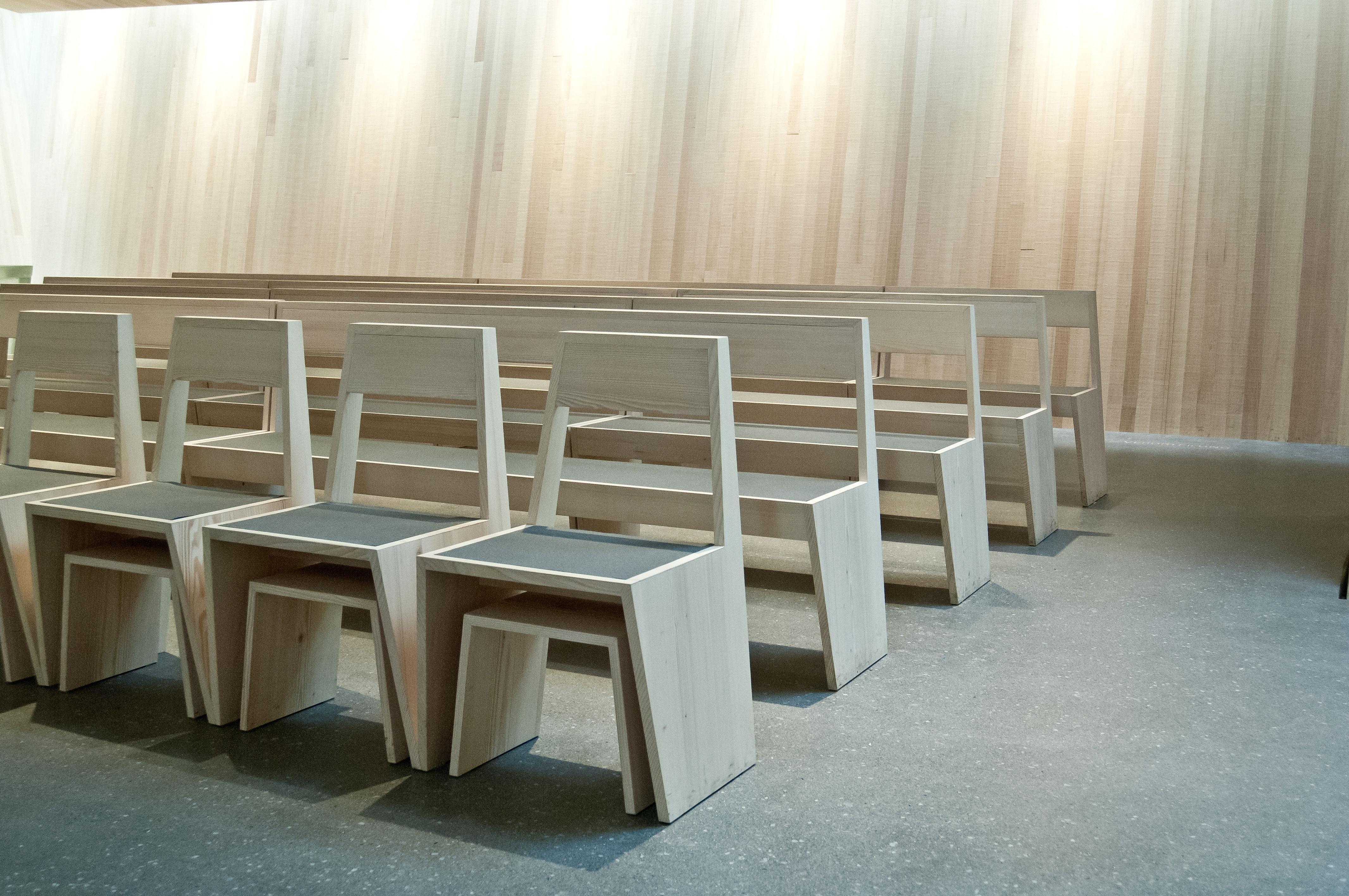 Susanne Reisenberger Wolf Holzstühle und Bänke